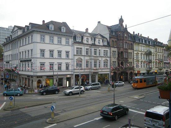Hotel Tannhäuser: Vue de la chambre très bruyant