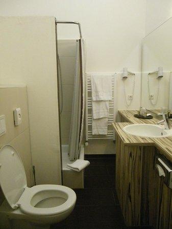 Hotel Tannhaeuser: La salle de bain