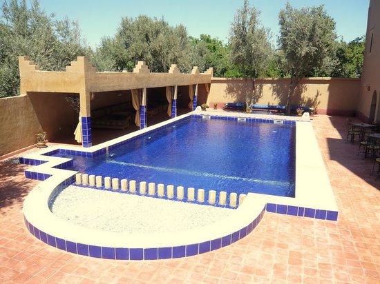 Kasbah Ait Ben Damiette: piscine