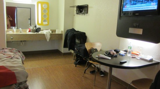 Motel 6 Boston South - Braintree: La chambre