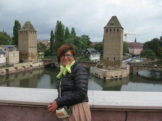 Strasbourg, Frankrike: I ponti coperti dalla terrazza sul Barrage
