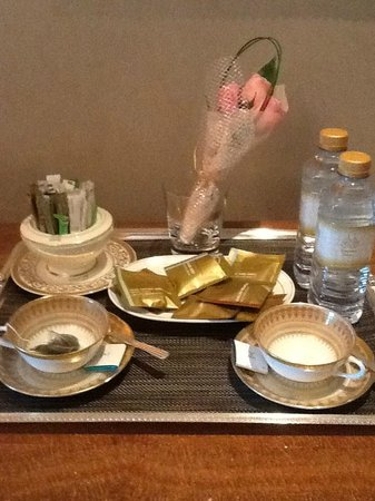 Emirates Palace : Tea and coffee service at the request