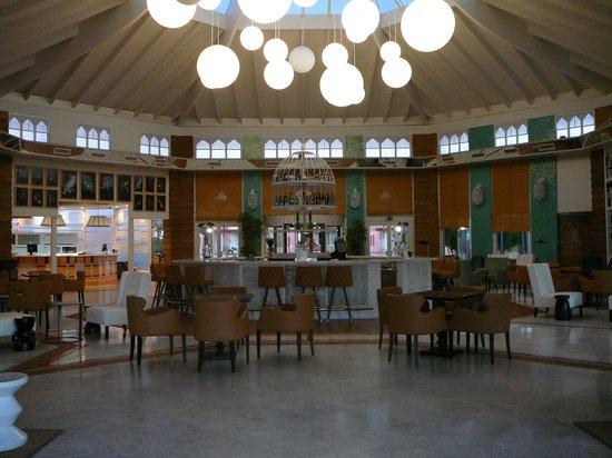SENTIDO H10 Playa Esmeralda: lobbybar aan de receptie