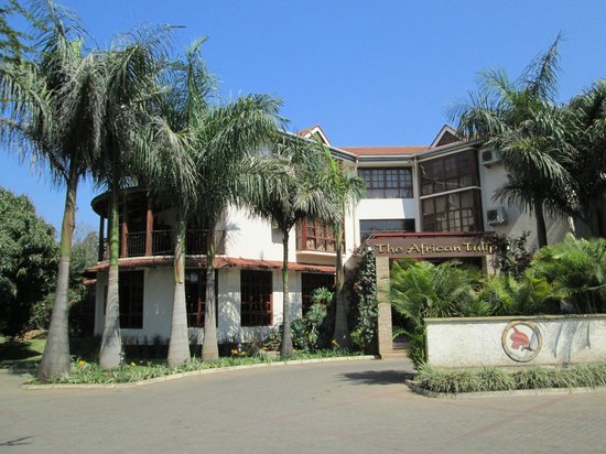 The African Tulip : The front of the hotel