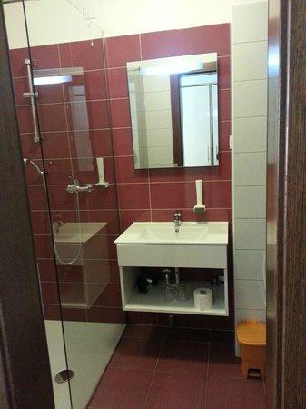 Hotel Luna: bagno