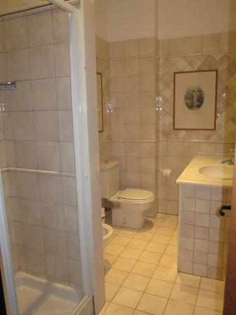 Domus Mariae : Bathroom