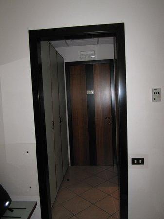 Domus Mariae : Room entrance, wardrobes