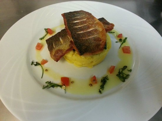 Le Delice : Pan-fried Seabass with saffron mash and sauce vierge