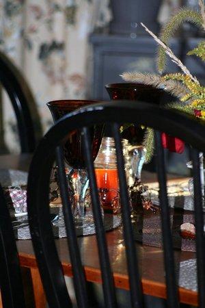 Roseledge Country Inn and Farm Shop : Breakfast table