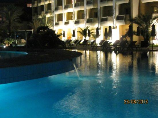 Royal Thalassa Monastir : piscine