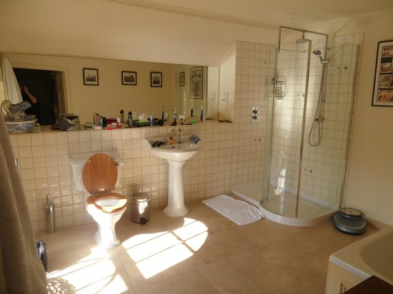 Carphin House by St Andrews: Fabulous bathrooms