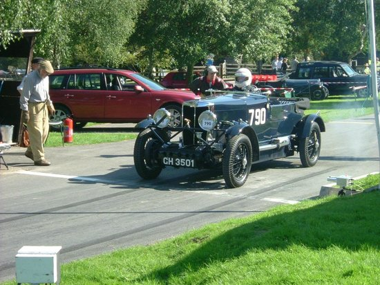 Prescott Speed Hill Climb: MG 18/80.