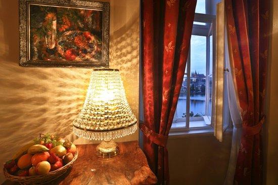 Hotel Leonardo Prague: Castle View Junior Suite with Prague Castle View