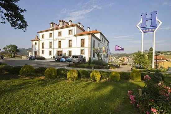Hotel Palacio de la Magdalena: Fachada exterior