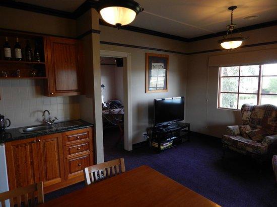 Balgownie Estate Bendigo: Inside cottage 1.