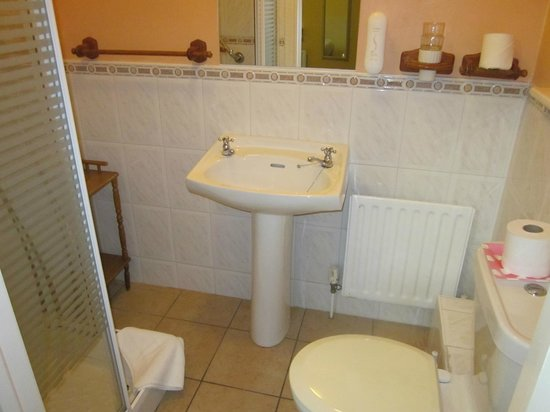 Augusta Lodge: interno bagno
