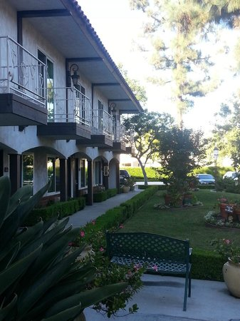 Laguna Hills Lodge: Lovely garden areas