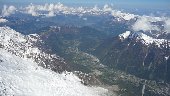 Mont Blanc : The valley below