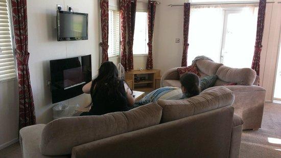 Sandy Glade Holiday Park: Living room