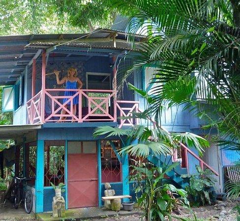Hidden Jungle Beach House
