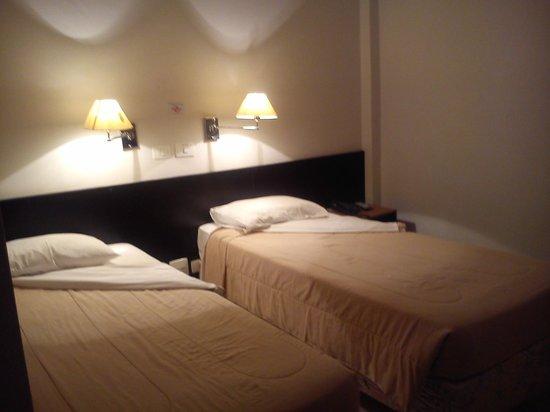 Uniclass Hotel Centro : Quarto duplo