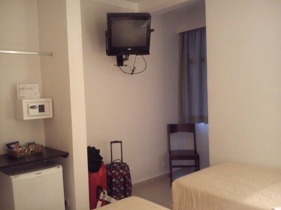Uniclass Hotel Centro : Quarto