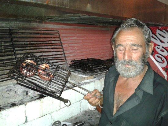 Restaurant Dimitris: Dimitris alla brace