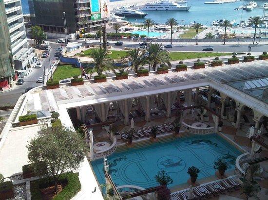 Phoenicia Hotel: Pool Area