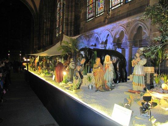 Romantik Hotel Du Parc: Créche de Noel dans la  Cathédrale de Strasbourg