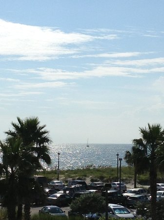 Magnuson Hotel Clearwater Beach : A VEW FROM MY BALCONY AT THIRD FLOOR