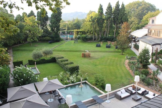 Hotel de l'Image : Lovely quiet gardens to rere.
