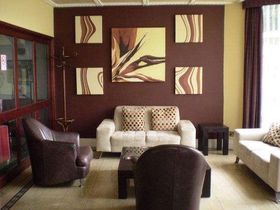 Ascot Hotel: Hotel Reception
