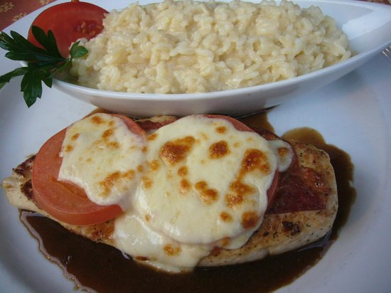Hotel Oberland Restaurant : Chicken breast with risotto