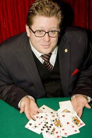 Wizardz Magic Theater: Jon Armstrong magician
