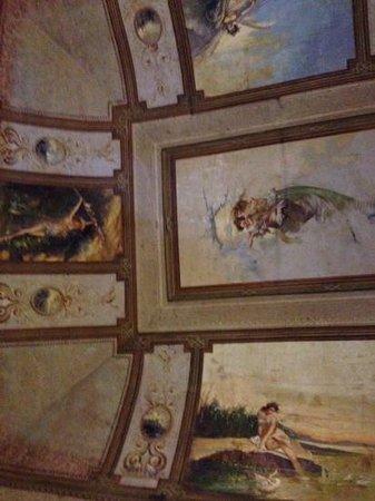 Belle Arti Resort: plafond van onze kamer