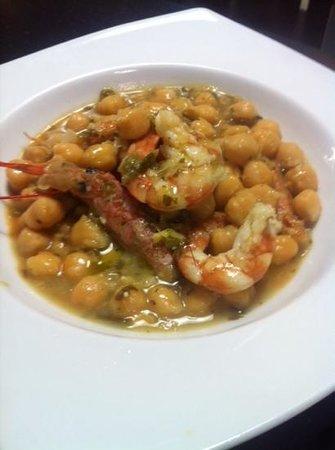 Anka Restaurante en Miniatura: Garbanzos en salsa verde con langostinos