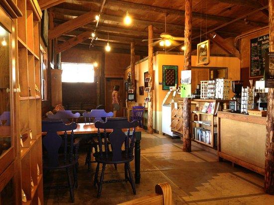 Comb Ridge Eat and Drink: Interior