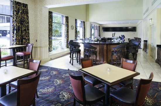 President Abraham Lincoln Springfield - a DoubleTree by Hilton Hotel: Hotel Bar