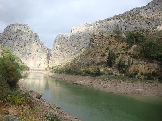 El Caminito del Rey: Uitzicht op het koningspad vanop de weg