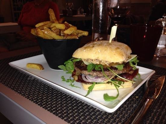 Le Cafe Des Arts : hamburger façon café des arts