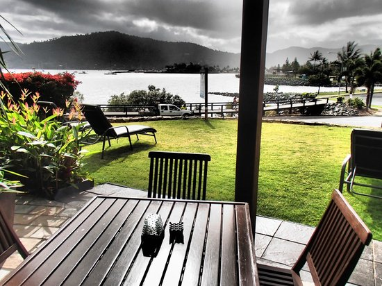 Airlie Waterfront Bed and Breakfast : Awesome View!