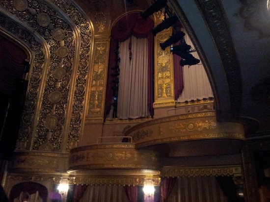 Warner Theatre: the reserved seating