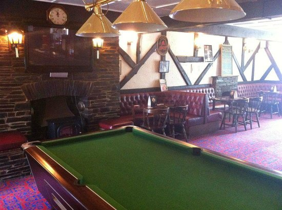 Pool Tables Wide Screen TV Picture Of The Devon Tors Bar - How wide is a pool table