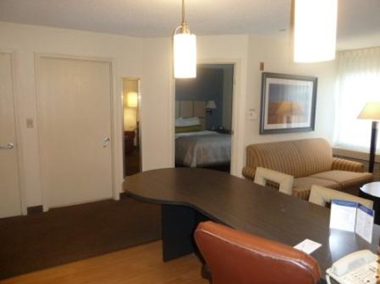 Candlewood Suites Chicago Libertyville : One Bedroom suite Living Room