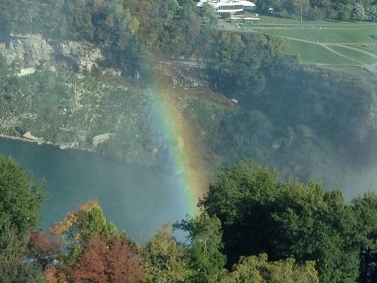 Fallsview Casino Resort : tons of rainbows daily if sunny
