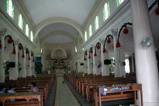 St. Mark Hotel: Church across the street 2