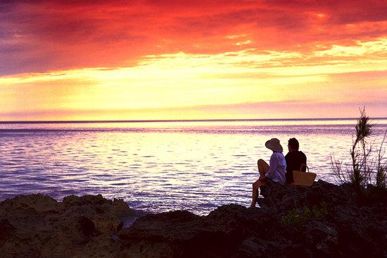 Bermuda: Sunset Long Bay