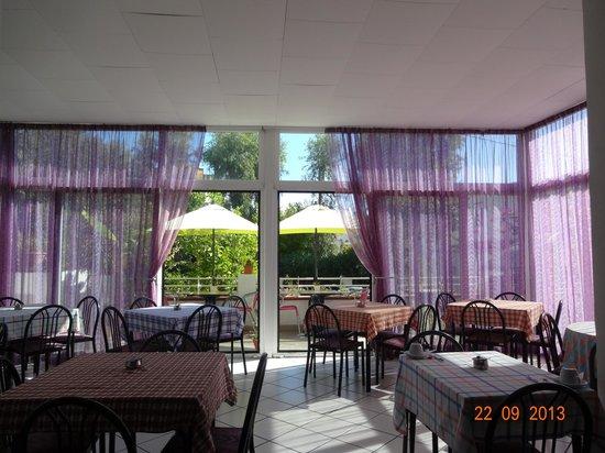 Hotel Villa Cecilia: здесь проходит завтрак
