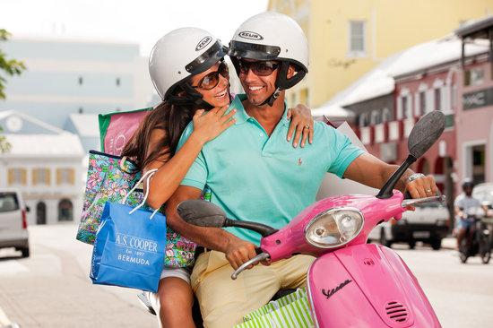 Bermuda: Shopping in Hamilton Parish