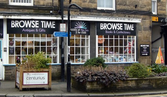 Otley, UK: Shop Front